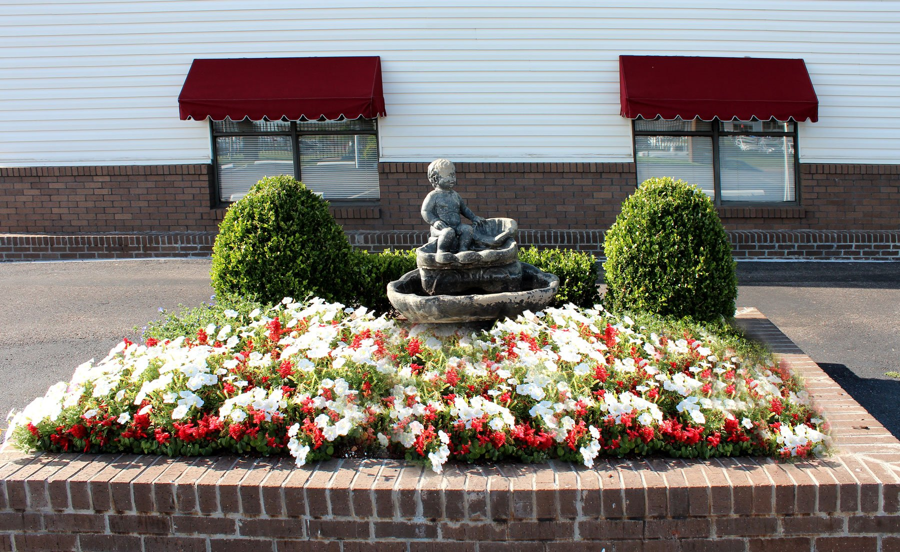 Fountain Twin Oaks Memorial Gardens Funeral Home